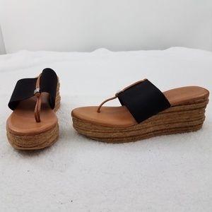 Andre Assous Sandals 38 7 8 Platform Sandals Cork
